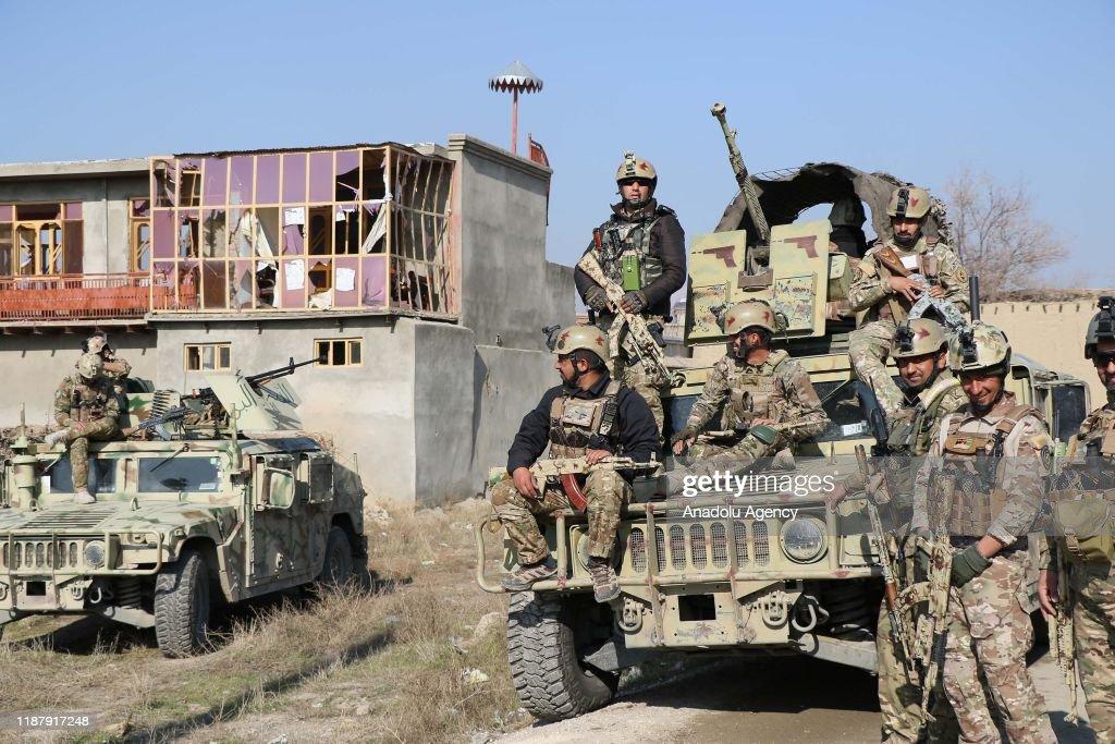 Car bombing near Bagram airbase in Afghanistan : Nieuwsfoto's