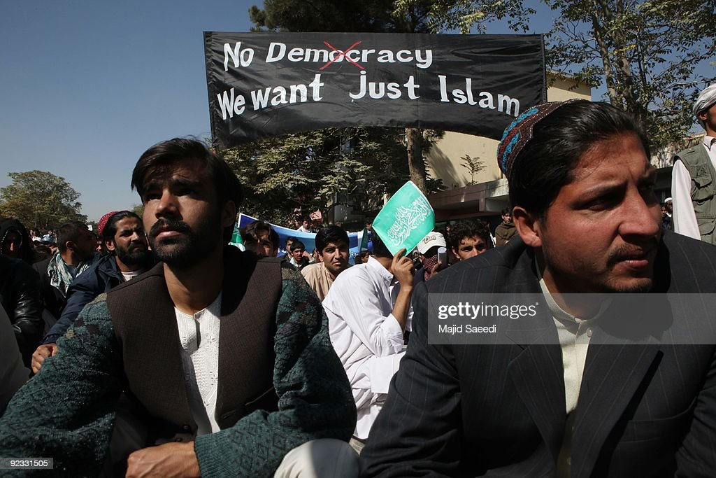 Afghans Protest Over Allegations Of Desecration Of Koran By Foreign Troops : News Photo
