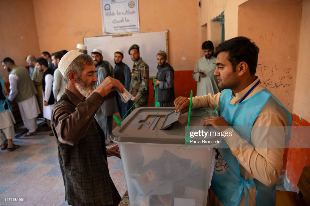 Afghans Vote in Presidential Election Despite Threat of Attacks : News Photo