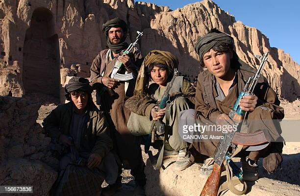 Afghanistan Hazaras The Bamiyan Region Drive Out The Taliban Afghanistan novembre 2001 les Hazaras chiites du HezbiWahdat reprennent Bamiyan aux...