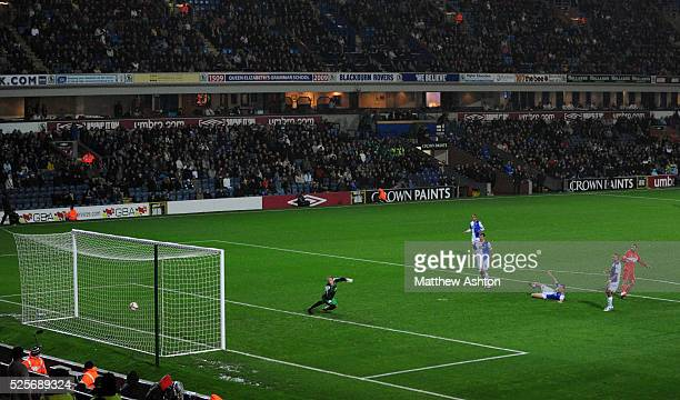 Afonso Alves of Middlesbrough scores past goalkeeper Paul Robinson of Blackburn Rovers to make it 01