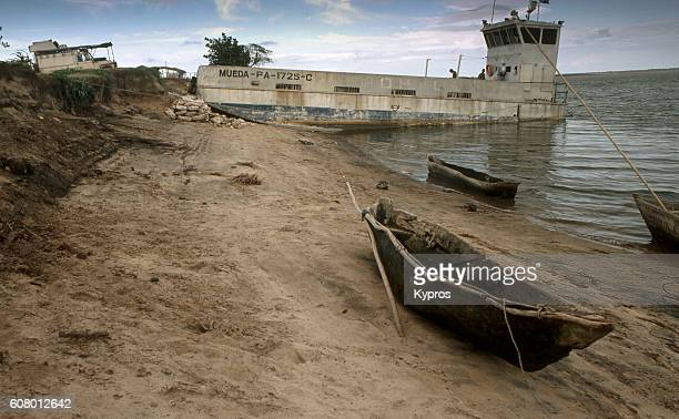 Africa, East Africa, Tanzania, View Of The Rovuma River That Is The Border With Mozambique. Maps Indicated The River Can Only Be Crossed By Canoe (Pirogue). There Was No Bridge (Year 2000)   More: Old Diary Text: Crossing The Theoretically Impossible Rive
