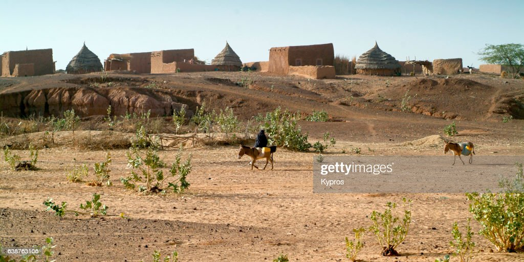 Africa, Sahara Desert, North Africa, Niger, View Of Village (Year 2007) : Stock Photo