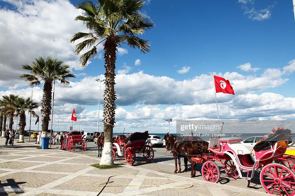 Africa, Tunisia, Gulf of Hammamet, Sousse, Avenue Hedi Chaker, Horse Carriages on Beachfront Promenade : Stock Photo