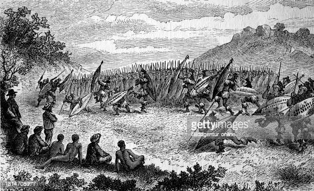 Africa, war dance in the Matabele tribe, AmaNdebele, Ndebele, Zimbabwe, in Southeast Africa, 1880 / Afrika, Kriegstanz im Stamm der Matabele,...