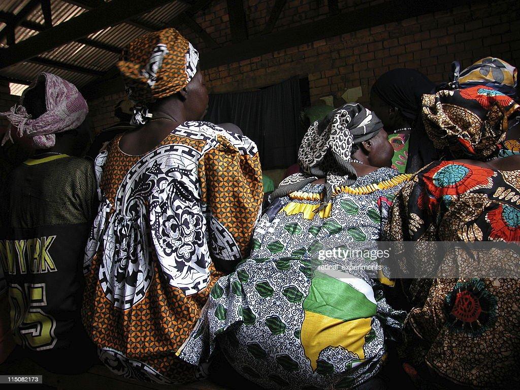 africa . women sitting : Stock Photo