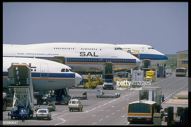 SAL S African Airways planes on ground at Jan Smuts airport