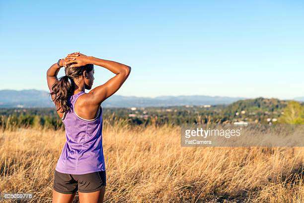 african american adult female with hands on her head - forward athlete stock pictures, royalty-free photos & images