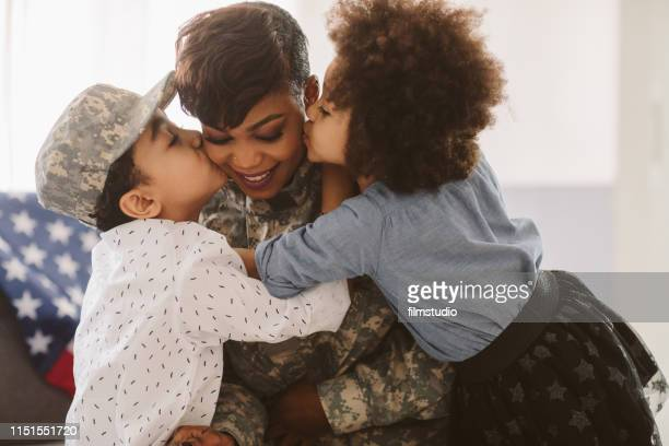 african - american army mom - army soldier stock pictures, royalty-free photos & images