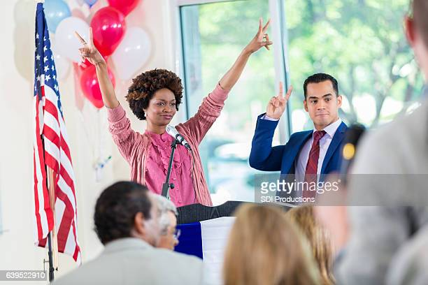 african american candidate celebrates victory - maire photos et images de collection