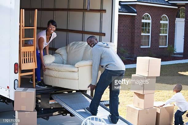 Afro-américaine famille Changement de logement