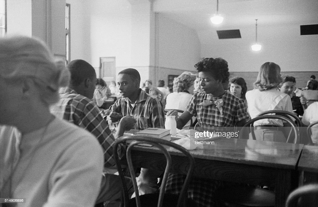 African American Students in Lunchroom : News Photo