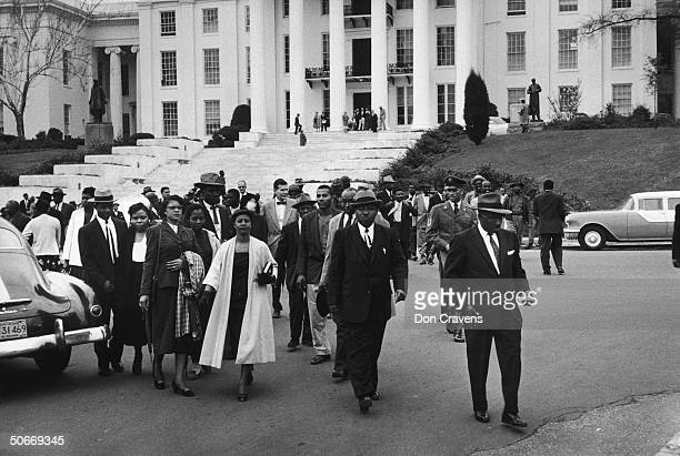 African Americans before Capitol Building during Alabama bus boycott