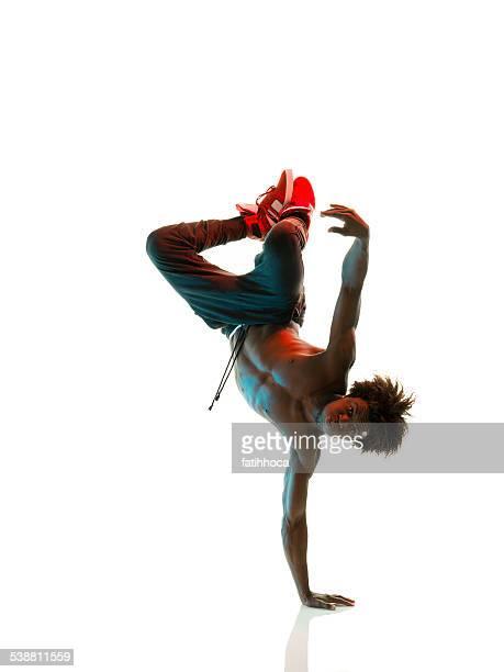 breakdancer africano - hombre desnudo fondo blanco fotografías e imágenes de stock
