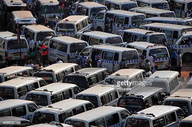 Afrikanischer Bushaltestelle-Teile taxi agglomeration, Kampala, Uganda