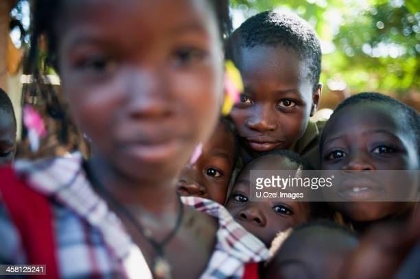 アフリカのお子様 - ブルキナファソ ストックフォトと画像