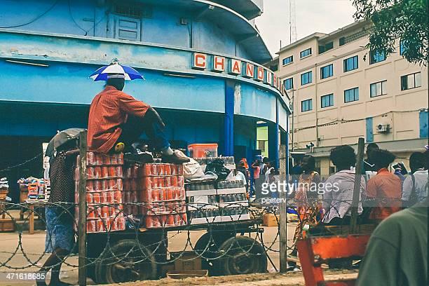 african la ciudad. - ghana africa fotografías e imágenes de stock