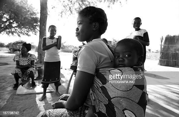 Afrikanische Familie im Homestead