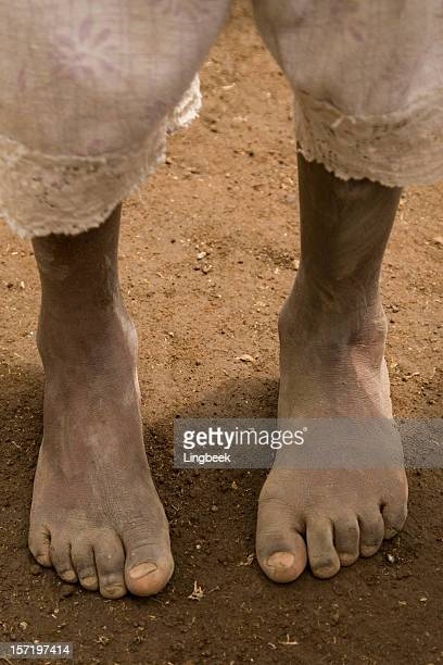 african girl on bare feet - dirty feet stock pictures, royalty-free photos & images