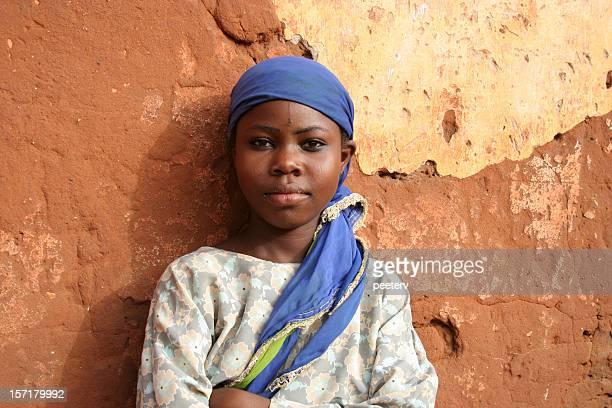 niña africana - africano nativo fotografías e imágenes de stock