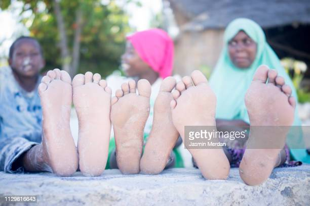 african kids together - hijab feet stock pictures, royalty-free photos & images