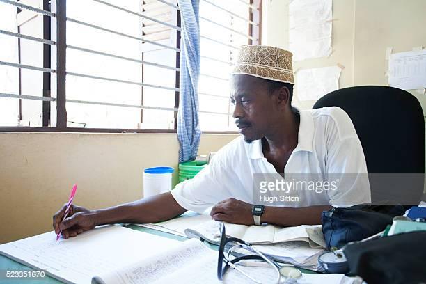 african medical clinic. tanzania. africa. - hugh sitton foto e immagini stock