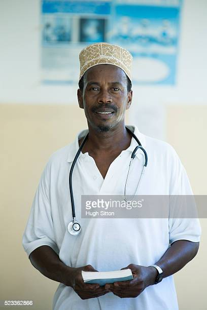 african medical clinic. tanzania. africa. - hugh sitton stock pictures, royalty-free photos & images