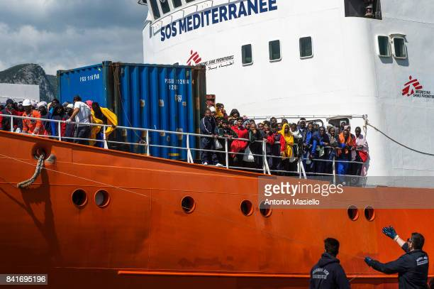 African migrants landing in the port of Salerno aboard the 'Aquarius' ship of the Ngo 'SOS Mediterranee' on May 26 2017 in Salerno Italy On board...