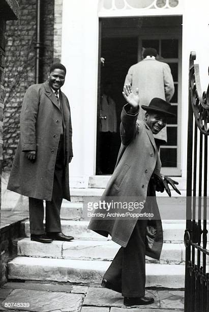 4th December 1960 Dr Hastings Banda the leader of the Nyasaland Malawi Congress Party right and MrJoshua Nkomo the President of the National...