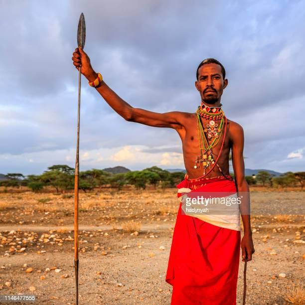 guerrier africain de la tribu samburu, centre du kenya, afrique de l'est - guerrier massai photos et images de collection