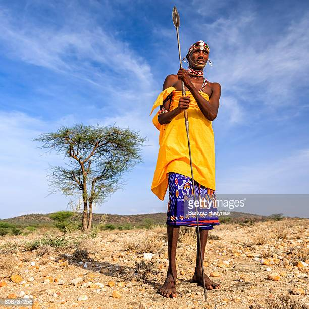 african warrior from samburu tribe, central kenya, east africa - masai photos et images de collection