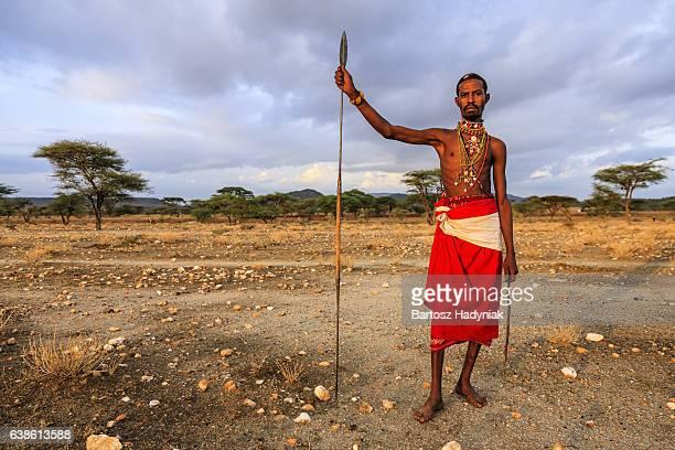 african guerrier de samburu tribe, le centre du kenya, afrique de l'est - guerrier massai photos et images de collection