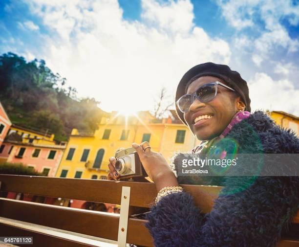 Afrikanische junge Touristen Frau in Portofino, Italien