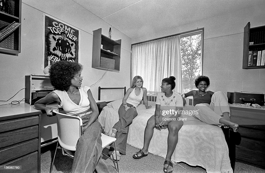 Jackson Students Socialize In Their Dorm Room : News Photo