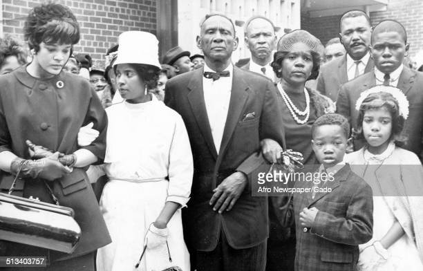 AfricanAmerican football player for the National Football League Eugene Lipscomb at a funeral May 14 1963