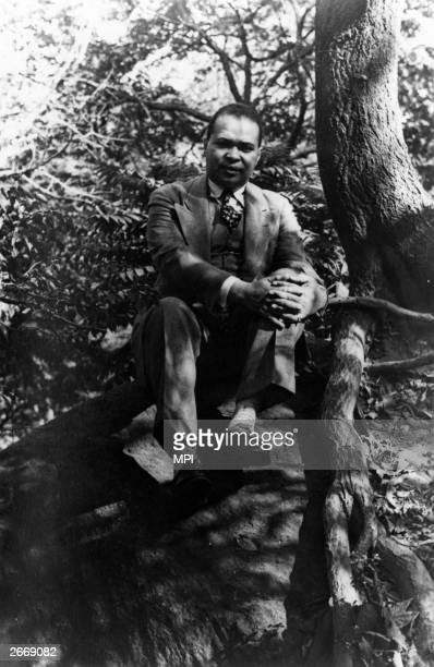 African-American poet Countee Cullen , a leading figure in the Harlem Renaissance.