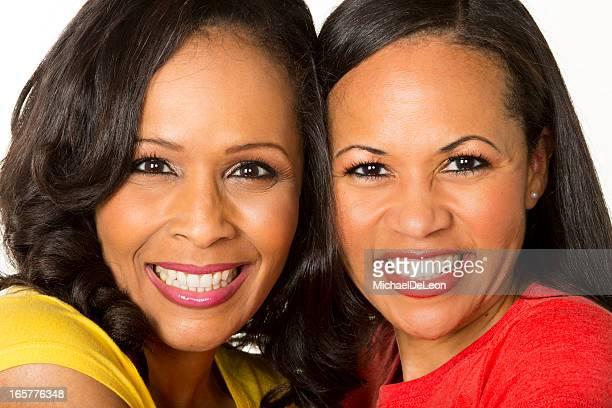 アフリカ系アメリカ人の姉妹