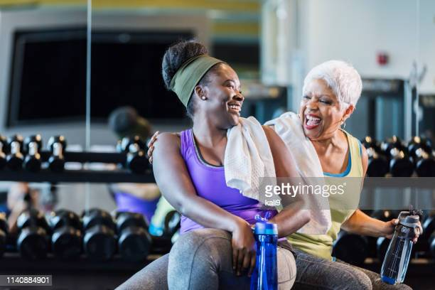 african-american women at the gym - gym stock pictures, royalty-free photos & images