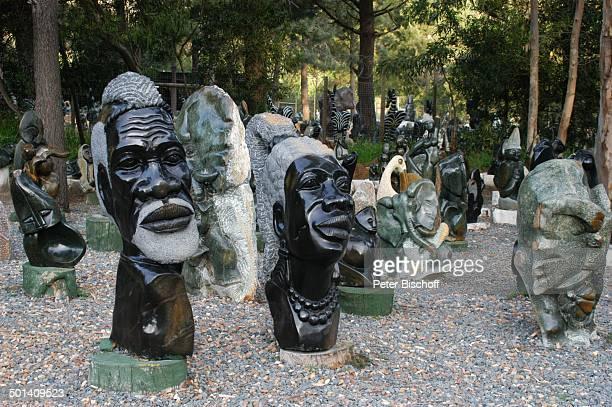 Afrikanische MonumentalSkulpturen aus Stein am 'Cape of Good Hope' bei Kapstadt Südafrika Afrika Folklore Andenken Skulptur Plastik Reise NB DIG PNr...