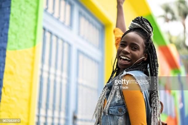 afro woman portrait - jamaica imagens e fotografias de stock
