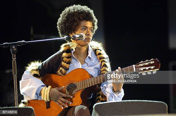 AfroAmerican Singer Lauren Hill performs 06 February 2005 for the Bob Marley 60th birthday concert in Meskel square in Addis Ababa Thousands of music...