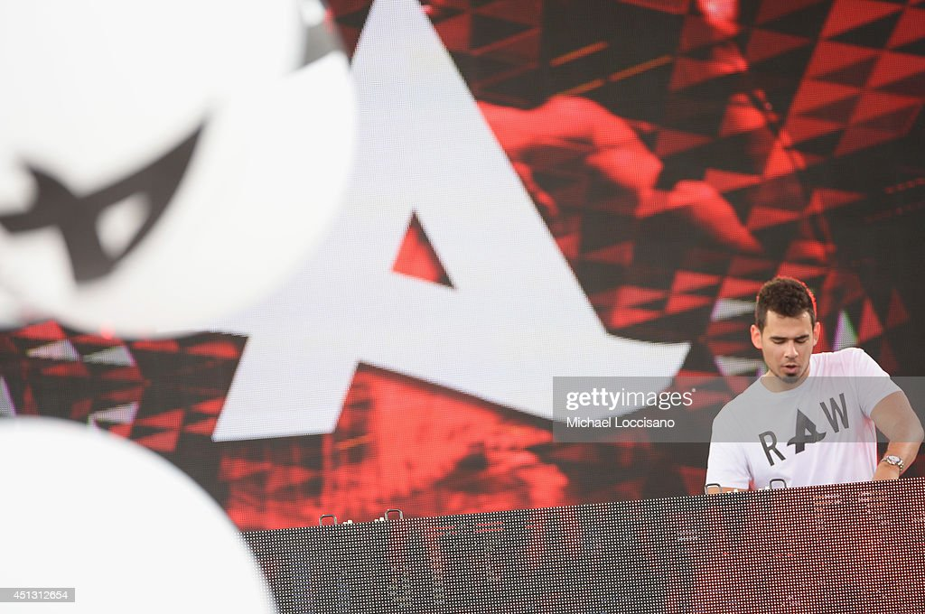"""Afrojack Performs On ABC's """"Good Morning America"""""""