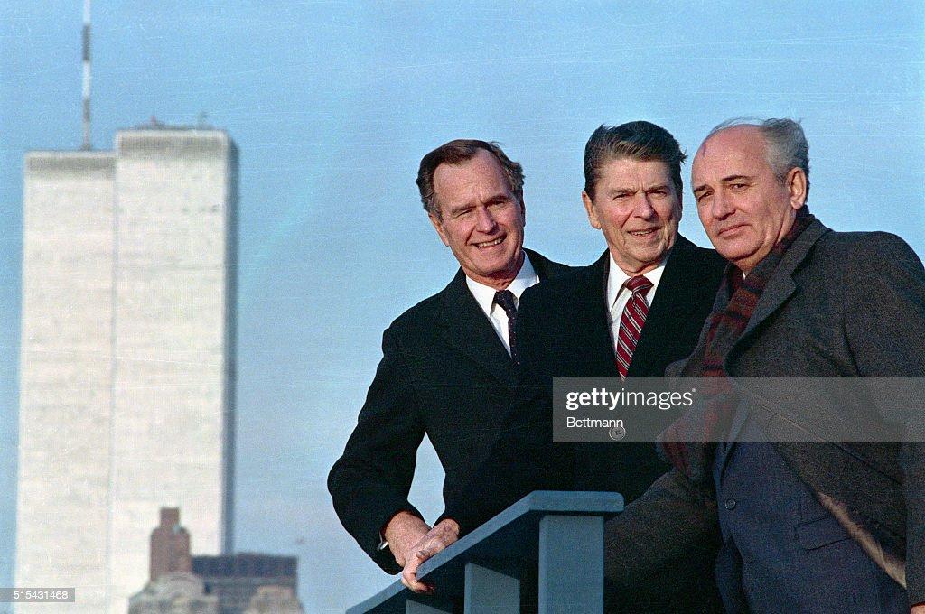 Bush, Reagan, and Gorbachev on Rooftop : News Photo