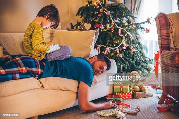 Después de un día agotador de Navidad.