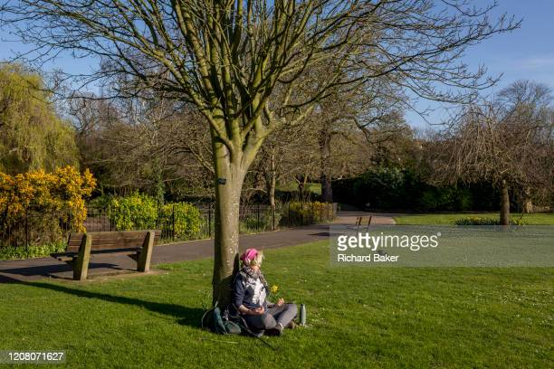After a weekend of large numbers of Britons leaving London for holiday resorts and coastal beauty spots, and crowding into the capital's parks, the...