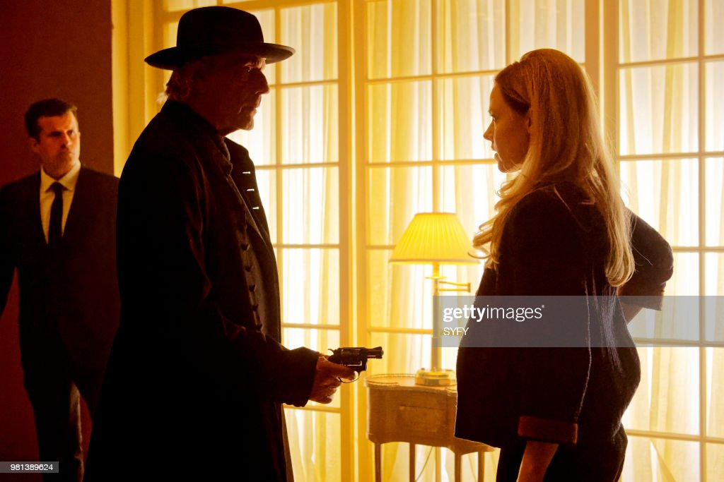 12 MONKEYS -- 'After' Episode 405 -- Pictured: (l-r) Christopher Lloyd as Man in Black, Amanda Schull as Cassandra Railly --