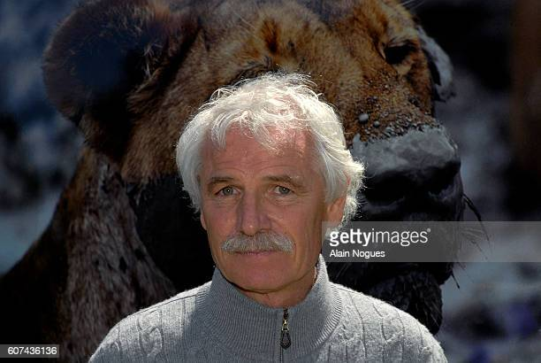 After his 'The Earth from the Air' exhibition at the Luxembourg Gardens in Paris Yann Arthus Bertrand with the organizations 'Good Planet' and the...