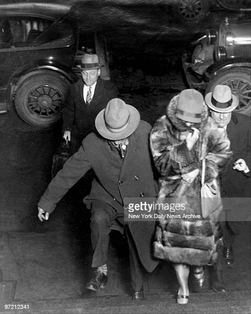 After hours of questioning and a confession to her husband's murder Ruth Snyder Inspector Gallagher and detectives head to District Attorney...