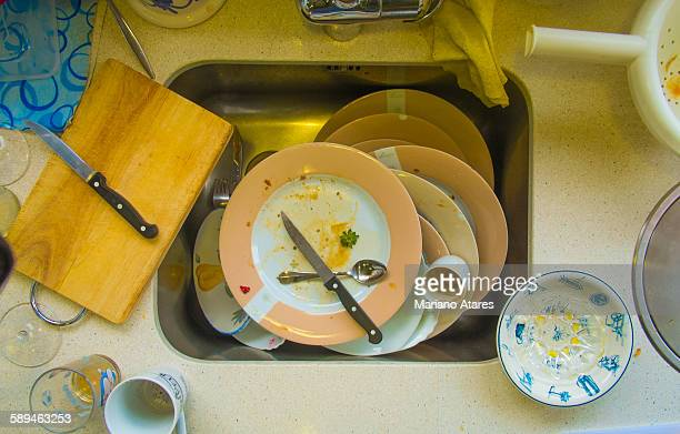 after party - disty plates - cleaning after party stock pictures, royalty-free photos & images