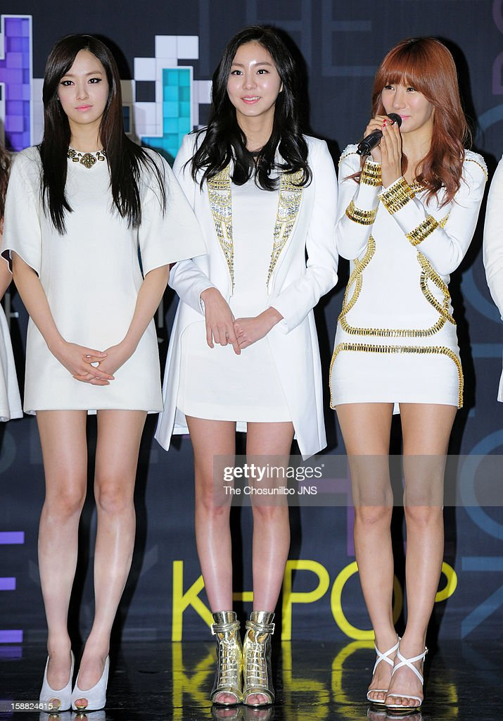 After School pose for photographs during the 2012 SBS The Color Of K-pop at Korea University's Hwa Jung gymnasium on December 29, 2012 in Seoul, South Korea.